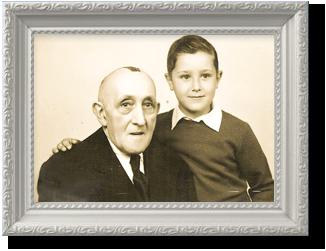Samuel Schwarz e o seu neto. Biblioteca Samuel Schwarz - Nova FCSH
